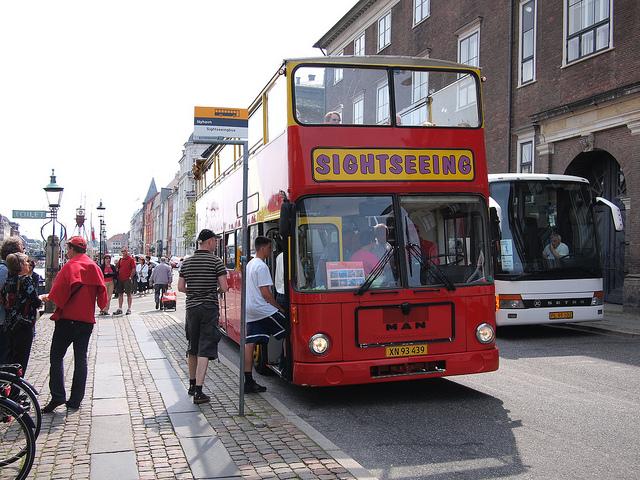 Városnéző busz Koppenhágában