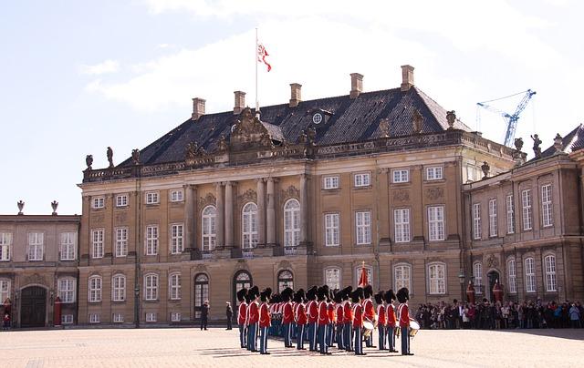 Őrségváltás az Amalienborg palotánál