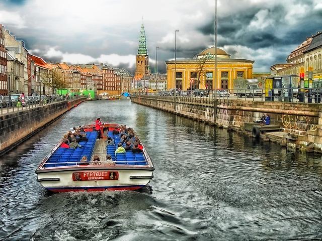 Kirándulás hajóval Koppenhágában